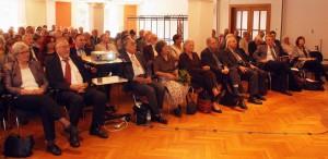 Leibniz-Tag 2014, Saal rechts, 1. Reihe vorn 2. v.l. Helmut Fischer, ausgezeichnet mit der Leibniz-Medaille und 3. v.l. das neu gewählte Ehrenmitglied Prof. Dr. Hiroshi Kawai, Tokio. Foto: D. Linke