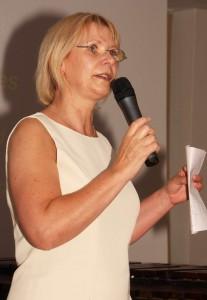 Frau Dr. Ulrike Liedtke Künstlerische Leitung und Geschäftsführung der Musikakademie Rheinsberg, gibt eine Einführung in das Musikprogramm