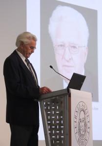 Ehrenpräsident H. Hörz bei der Laudatio für Professor Guseynov, Foto: D. Linke