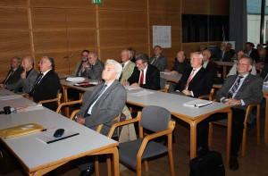 Sitzungssaal, vorn: H. Hörz;           Foto:D. Linke