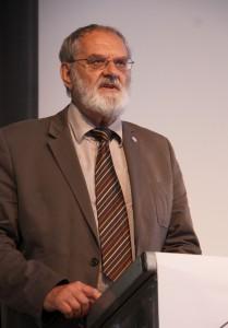 Vizepräsident A. Jähne bei der Vorstellung der zugewählten Mitglieder, Foto: D.Linke