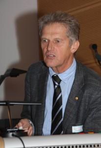 Prof. R. Rummel bei einem Vortrag in der Leibniz-Sozietät am 14.09.2012; Foto: D. Linke