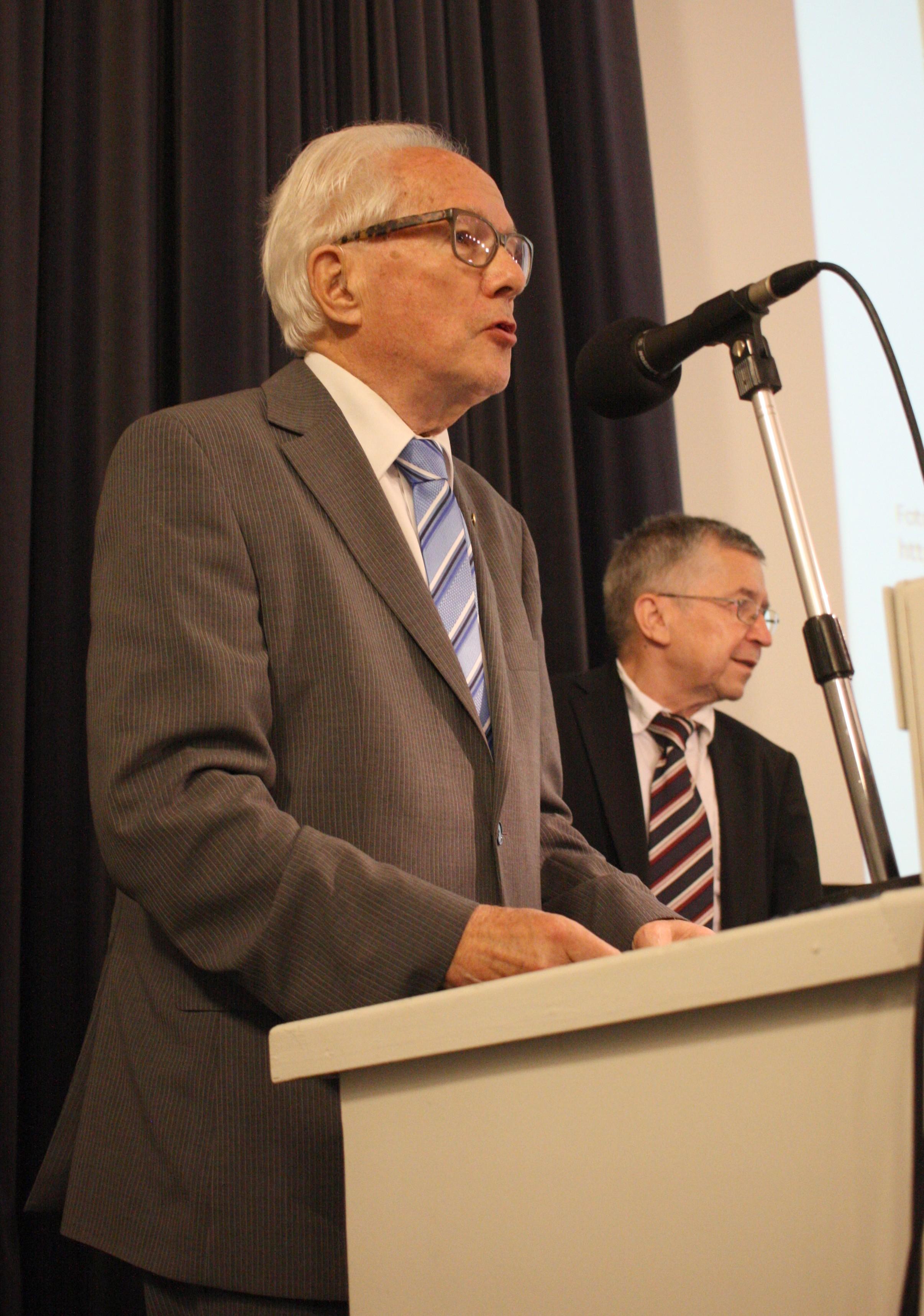 29_Bernhardt, Karl-Heinz_Ehrenurkunde VBIW_1295 ko90
