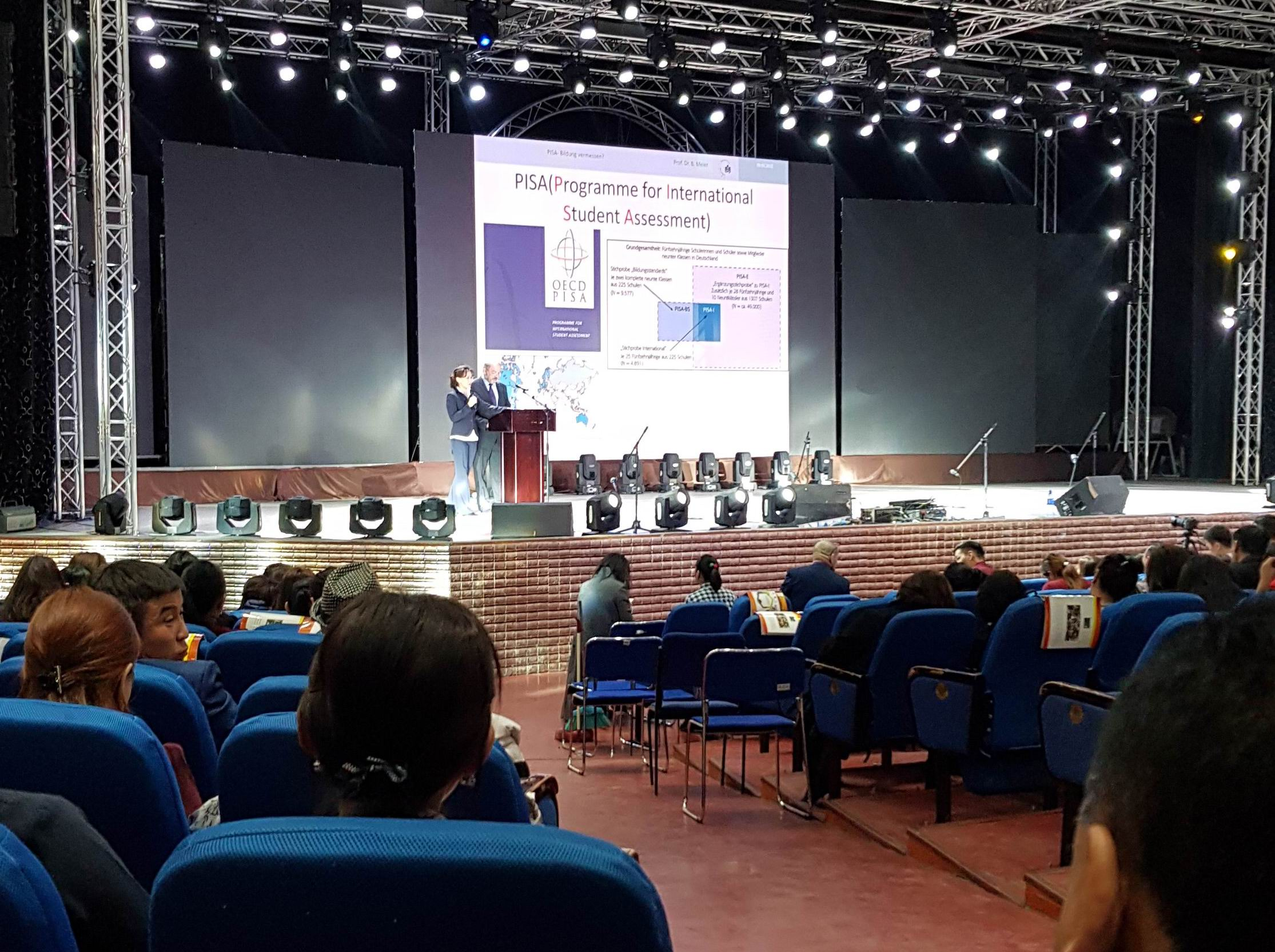 Prof. Dr.Bernd Meier beim Vortrag in Ulaanbaatar